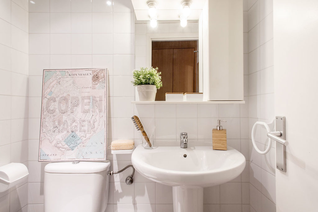 baño habitación individual Girona