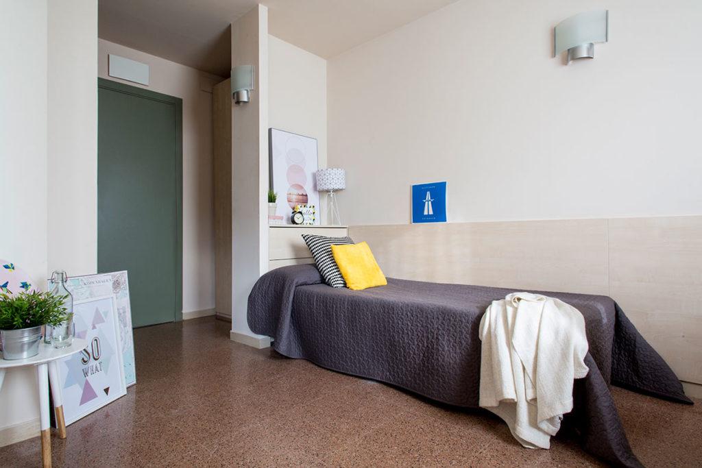 habitación individual cama resa