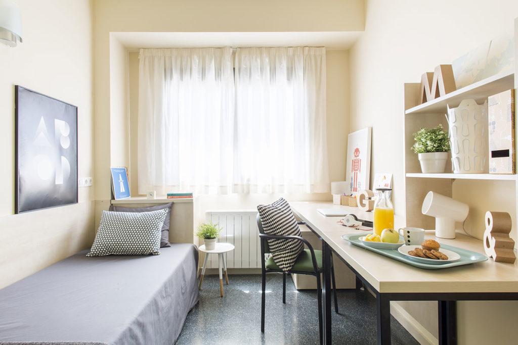 Residencia universitaria erasmo habitaciones y precios for Universidades con habitaciones