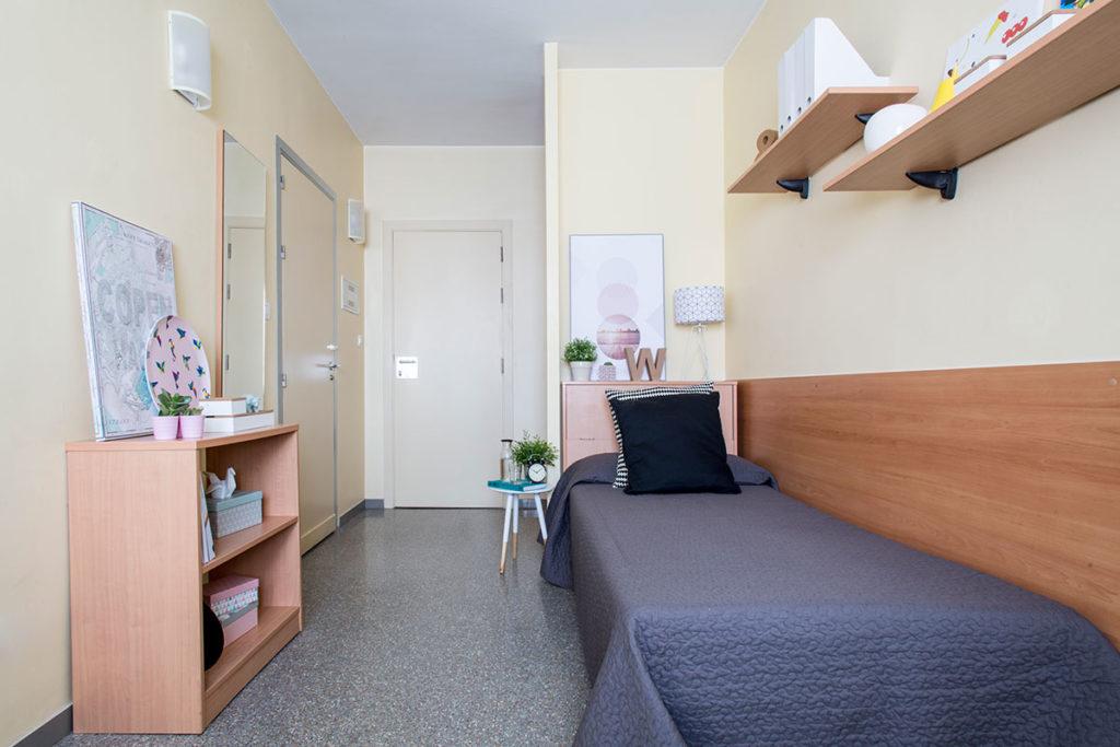 habitacion individual cocina compartida resa granada